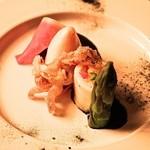 フェリア トウキョウ - 野菜を詰めたヤリイカ イカスミのソース