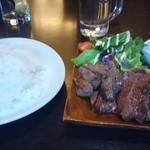 アキタカ - 肉盛りプレート4種(950円)