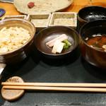 43978747 - 2015/8/22  ガーリックライスと赤出汁味噌汁〜〜