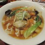 バーミヤン - 料理写真:2015/10 牡蠣の刀切麺
