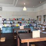 acoustic book cafebar by - 店内④