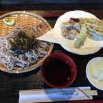 御食事処 曲屋 - ざる蕎麦とダチョウの天ぷら
