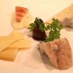 ブラッスリー・ラ・フェット - チーズ盛り合わせ