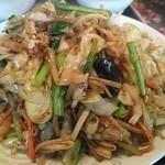 中国料理興安楼 - 肉野菜炒め定食 結構な盛りです☆