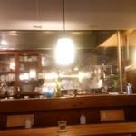 Cafeここたの - 木の温もりを感じる店内。