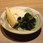 舌心 - お通し (筍の土佐煮と若布) (2015/10)