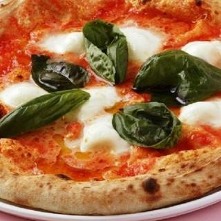 賞味時間3分!窯で焼き上げるピッツァ
