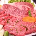 和牛焼肉 青樹苑 - 良いものだけ選別した一皿