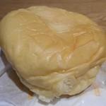 44003179 - とろけるくりーむパン(生クリーム)