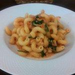 ヴィア トスカネッラ - カヴァタッピ 白身魚とホウレン草のトマトクリームソース(2015.10)