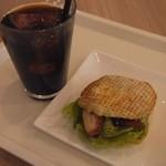 櫟 - 料理写真:シェルワッフル