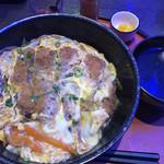 慈伴賜 - 料理写真:カツ丼