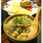 ワラガモ 藁ウ鴨ニハ福来ル - 豚肉と豆の白煮込み