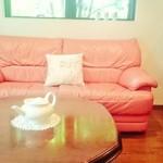 ティールーム7 - 店内のソファー