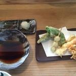 おそば だいだい - 最初に天ぷら野菜三種