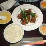 煌蘭 - ご飯、スープ、小鉢のお替わりができます