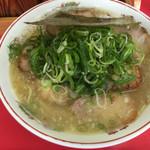 日の出商店 - 塩チャーシュー麺¥700大盛り(^^)