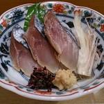 四季の味さとう - しめ鯖(お通し)