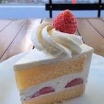 パティスリー ラ・グリシーヌ - イチゴのショートケーキ