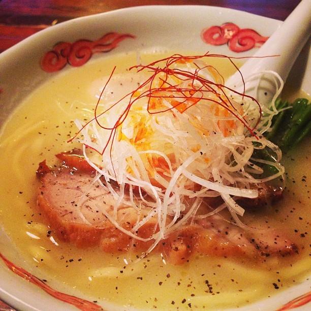 麺酒処 ぶらり - 鶏白湯らーめん