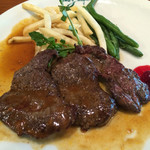 シェ・ミカワ - 長野産鹿肉のステーキ