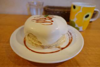 ホイホイ - メープルクリームパンケーキ 730円