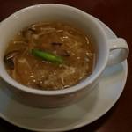 中華ビストロうちだ - コース料理の 松茸入りワンタンのフカヒレスープ