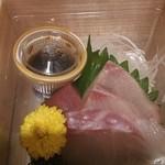 kyouryourimanchou - お刺身も付いてます カンパチ 鯛 マグロ