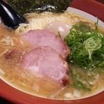 百麺 - 細麺(680円)+半熟味玉(100円)トッピング
