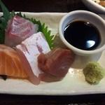 お季楽 でめきん魚 - 真鯛、平須、鰹、サーモン、刺身の鮮度も良いですよ