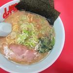 ラーメン山岡家 - 料理写真:豚骨醤油