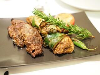 シターラ 青山店 - 野生鹿と夏野菜のタンドール炭火焼