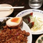 麺 鶴亀屋 - 台湾丼とピータン