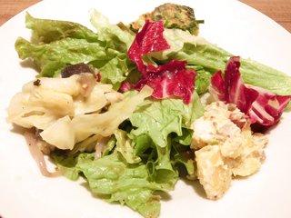 レストラン マルヤマ - パスタコース 1100円 のサラダとキッシュ