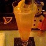 バー ブリーズ - 「甘酸っぱい·フルーツ系のノンアル」とお願いしたら柑橘系を作ってくださいました。