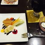 神戸浪漫 ハイカラ亭 - セットのデザート、珈琲