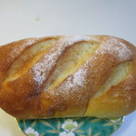 ベーカー バイツェン - お米パン130円。