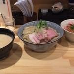 44054167 - つけ麺 300g チャーシュー丼