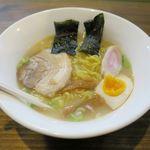 麺屋 中華 - 料理写真:豚骨ラーメン(626円)