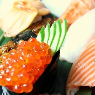 旬の魚介を使った、特上握り寿司