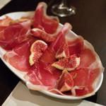 オステリア ダ ピンチョ - prosciutto e fico (生ハムとイチジク)