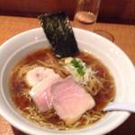 44064629 - 魚介スープの杉樽醤油ラーメン① 700円