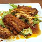 ラララ - 骨なし鶏の唐揚げ「軟炸鶏」、950円。