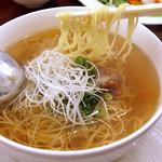 ラララ - 葱汁そば「葱糸湯麺」、650円。