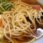潮 - 麺は低加水なれど、しなやか~