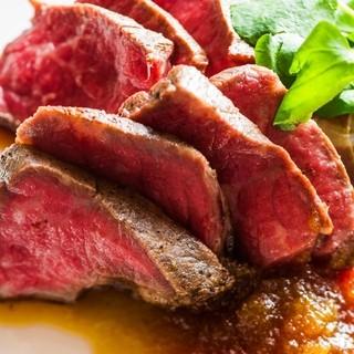 肉料理とワインを大人の隠れ家でお楽しみください。