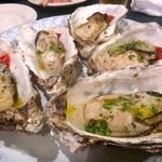 ビストロ・ブルータス - 牡蠣の白ワイン蒸し