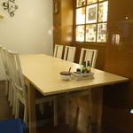 ハングリータイガー - ☆入口すぐのテーブル席は爽やかですね☆