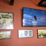 CARI cafe - ハワイのPVが流れてます