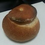 庭のパン屋さん - 「シャンピニオンカマンベール」200円